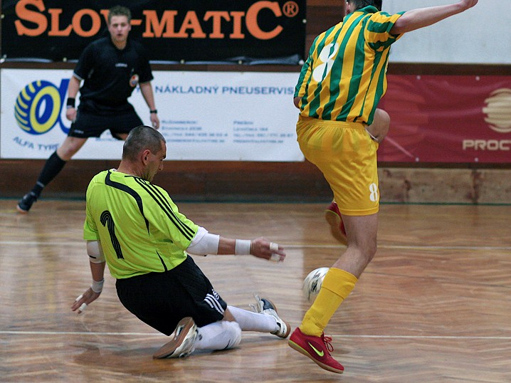 Play-off Slov-matic FOFO BA vs �ped-Trans Levice 5:2