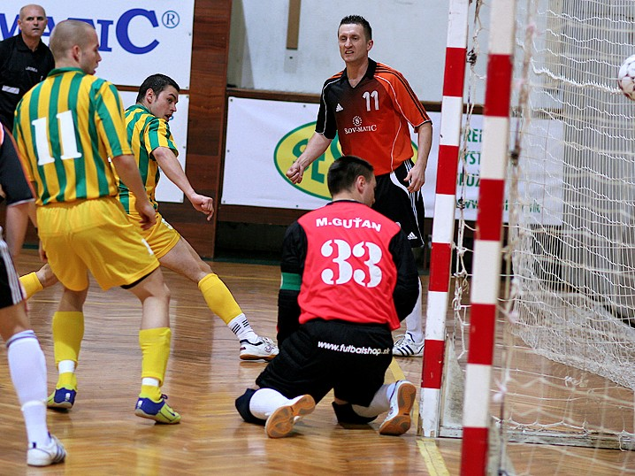 Slov-matic FOFO BA vs �K Levice 8:1